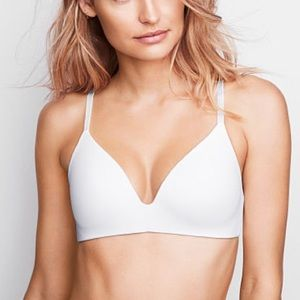 Like-New! THE T-SHIRT Lightly Lined Wireless Bra
